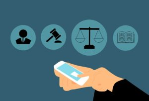 por qué contratar un abogado laboral empresas