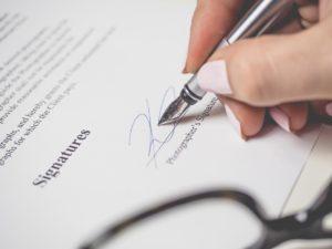 abogado laboral empresas para contratos
